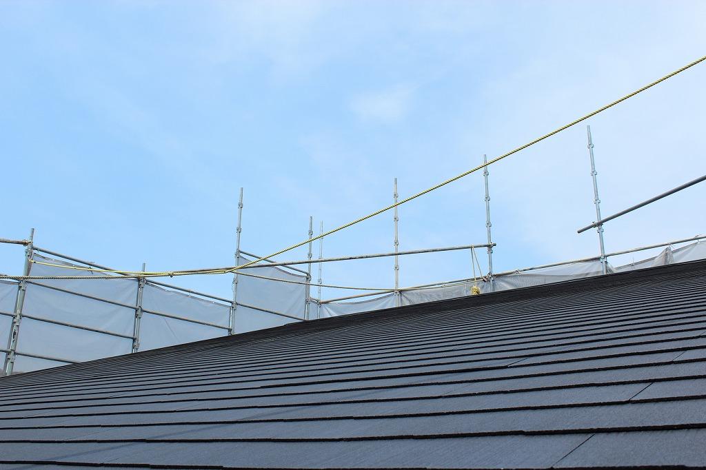 工場や倉庫で活躍する屋根工事の「カバー工法」とは
